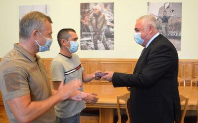 Командиру військової розвідки з Моршина вручили орден «За мужність»